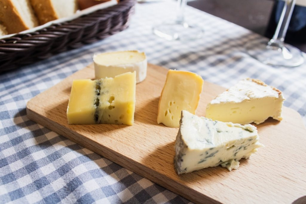 pregnancy_food_to_avoid_soft_cheese